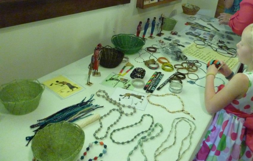 Items made by Kenyan women. Missionary Kathleen Lutz, 11 Aug 2013.