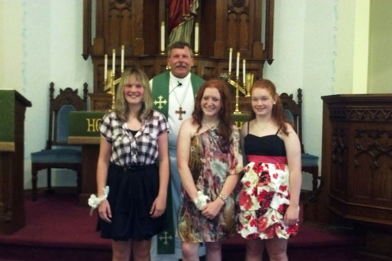 Amanda Ross, Camille Reynolds, Claire Fisher, Rev. Don Bachman. 2012 Confirmation, Zion.