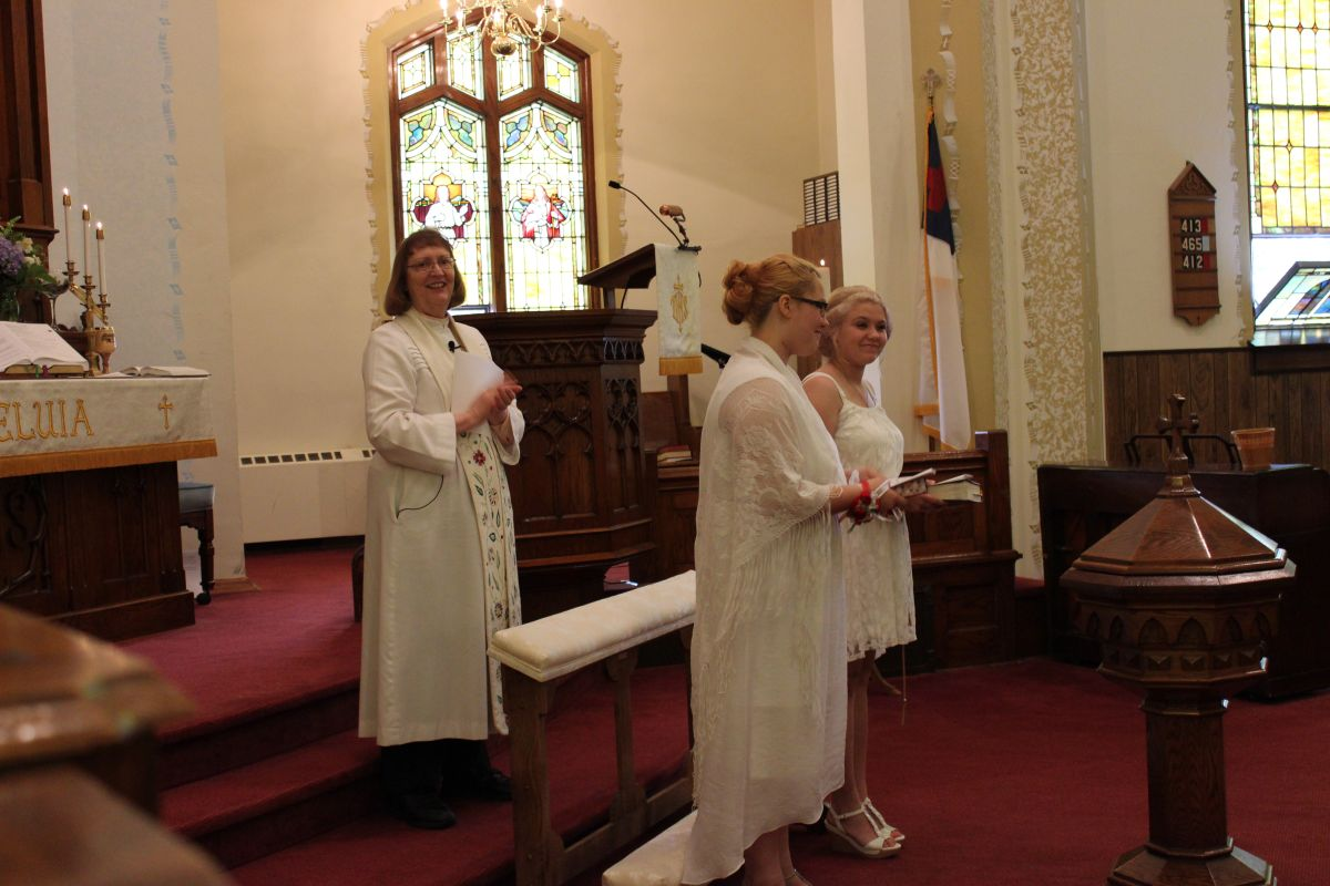 Confirmation 31 May 2015, Pastor Karen Tamorria, Samantha Dunlap, Paige Swallow
